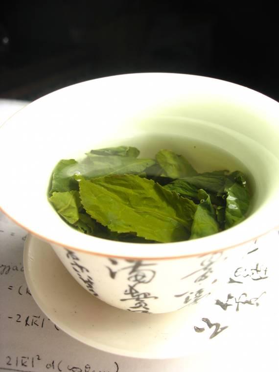 15 alimenti miracolosi per una pelle luminosa: Tè verde