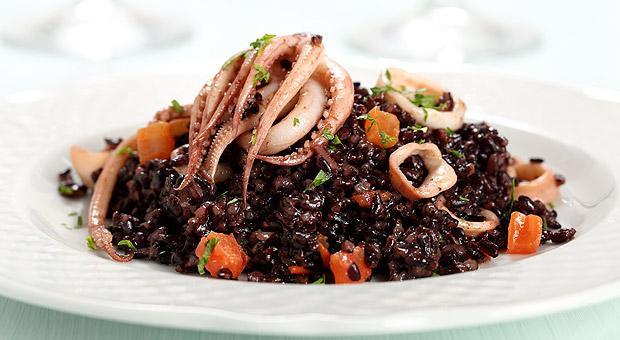 8 fantastici benefici del riso nero (o venere)