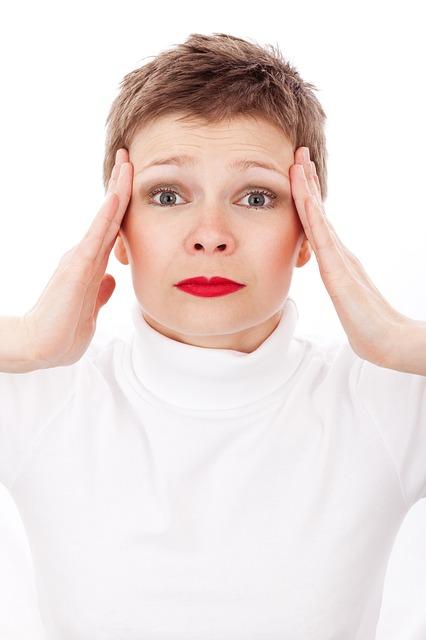Dieta ipocalorica 9 effetti negativi sulla tua salute: mal di testa