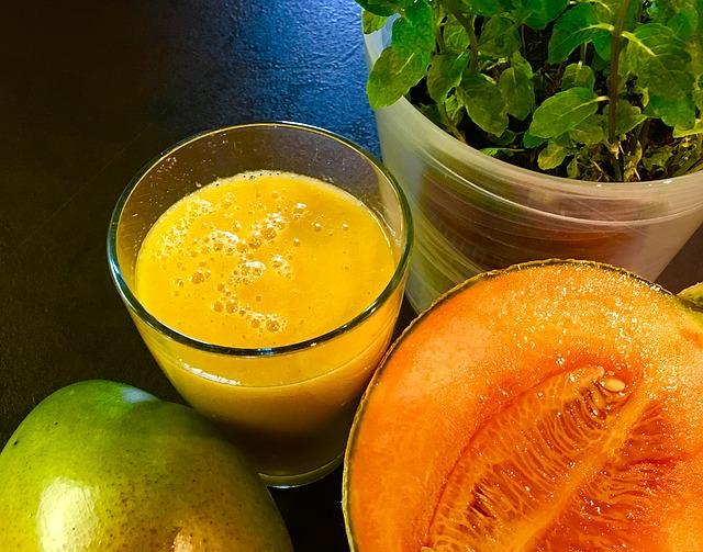 10 frullati per una dieta detox che ti faranno ripartire alla grande: 10 ricette per frullati detox