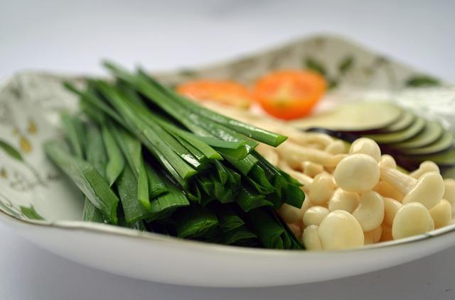 Come e perché pasti a base vegetale possono aiutare a perdere peso: i vegetali