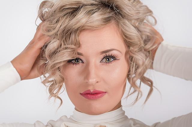 5 rimedi naturali per la caduta dei capelli negli uomini e nelle donne