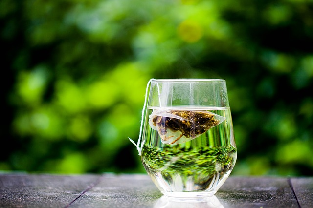 Gli eccezionali benefici e proprietà del tè verde. Ma fa anche dimagrire?